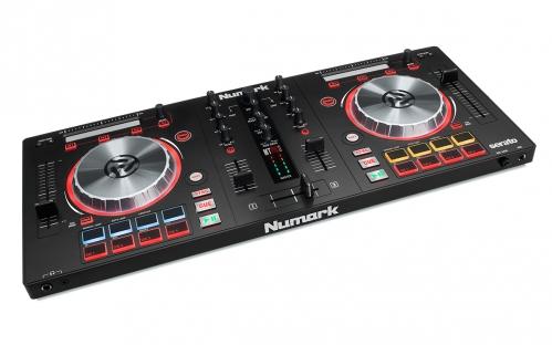 Numark MixTrack Pro III digitální ovladač